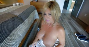Wife in need for cock Sandra Otterson enjoys being taped when sucking cock