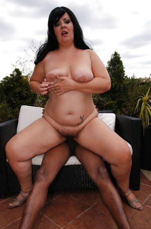 Strong outdoor fuck experience with a black dude for fatty Carmen Carlos