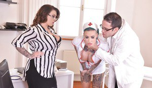 Calisi Ink and Harmony Reigns rough threesome anal extreme cosplay