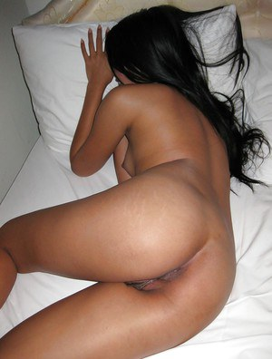 Asian babe with fine ass deep fucked in rough amateur POV scenes