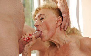 Old lady Szuzanne gets younger lad to shag her pussy in strong hardcore