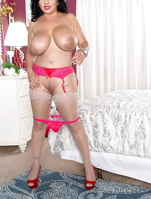 Chunky Latina MILF pornstar Daylene Rio showing off huge tits and fat ass