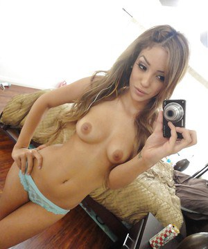 Latina ex-girlfriend Melanie Rios taking topless selfies in mirror