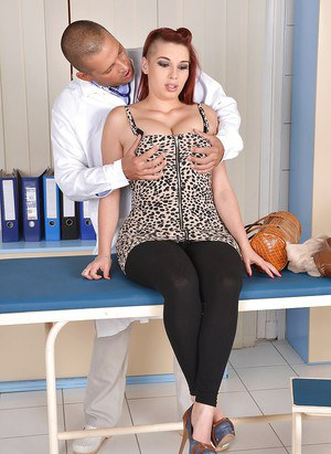 Redheaded Euro plumper Leila Moon giving her doctor a blowjob