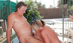 Blonde amateur MILF provides her hairy twat for fingering and hot drilling