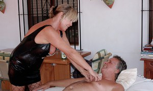 Hairy amateur mature Lizzie gets her meaty pussy finger fucked and drilled