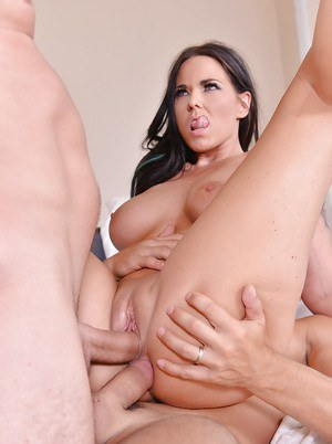 European MILF with a pretty face Simony Diamond gets double penetrated