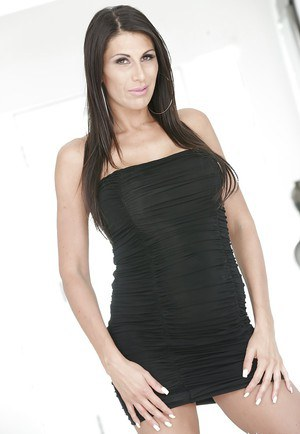MILF with fake tits Mikayla Cox likes to pose naked for erotic scenes