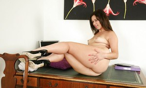European MILF Anna Joy removes her thong to finger and masturbate her snatch