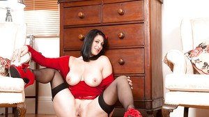 Classy brunette MILF Raven letting bare body parts free from clingy red dress