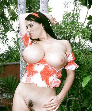 Sexy European Linsey Dawn McKenzie amazing nude play in a hamac