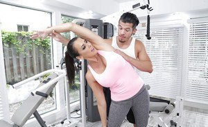 Coigar MILF Reagan Foxx amazing blowjob and sex at the gym
