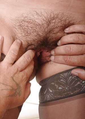Amateur mature hottie takes a dick in mouth and gets her hairy cunt screwed