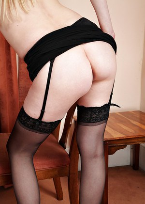 Dirty blonde MILF Ashleigh McKenzie showing off meaty labia lips in stockings