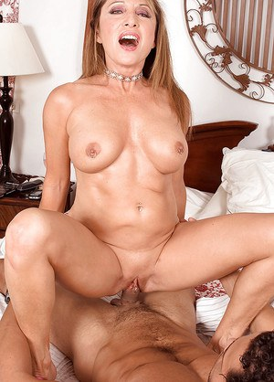Mature Luna Azul hardcore sex in the bedroom with young man