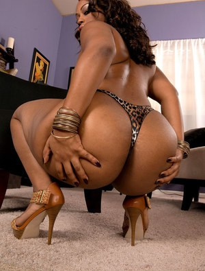 Sexy black girls naked with big asses