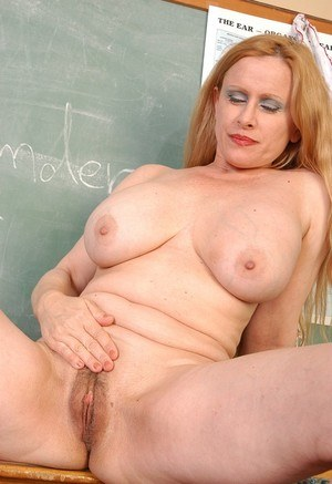 Mature teacher Lavender with big saggy tits gets naked in the classroom