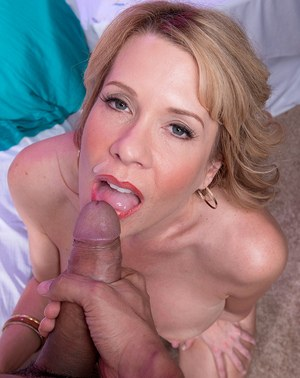 Very valuable Mature on her knees sucking cock was