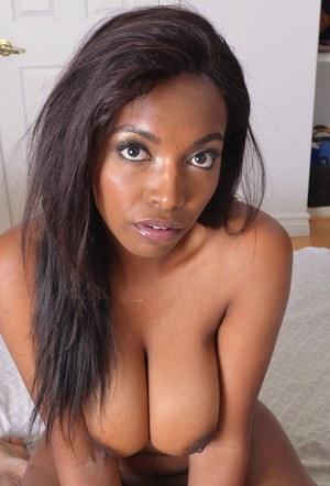 Black amateur Daya Knight slips off her clothes to display pink snatch