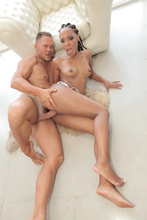 Ebony beauty shakes cock down the pussy in complete interracial POV play