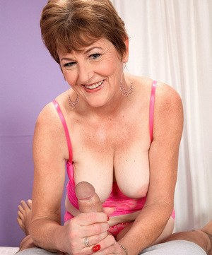 Mature babe with short hair gets her big tits fucked and pussy screwed deep