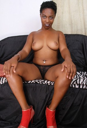 Busty ebony woman Lulu amazing couch solo and pussy fingering porn