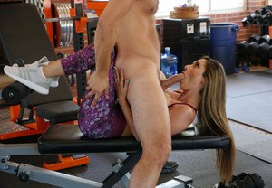 Fit MILF Reena Sky doffs yoga outfit before having sex at the gym