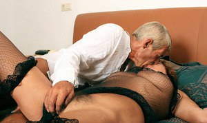 Mature amateur Eve engages in foreplay before having her beaver pleasured