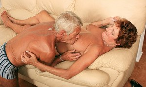 Chunky older amateur Eve & hubby fuck like teenagers until he cums on her bush