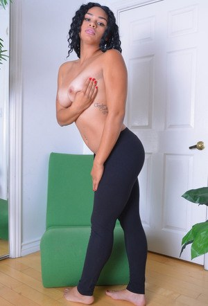 Ebony amateur babe spreading legs to show her glorious pink pussy and backdoor