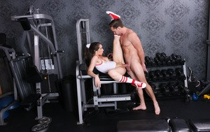 Sporty teen girl Joseline Kelly gets her mouth and twat fucked in the gym