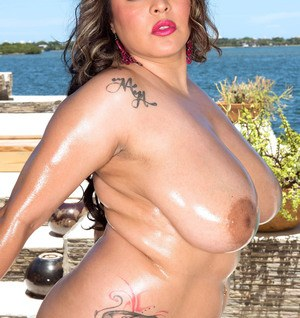 Big tits fatty Cat Bangles reveals ehr awesome huge boobs with big nipples