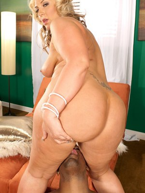 BBW Latina chick Kelli Staxxx gets her pussy and asshole licked and screwed