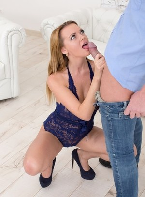 Emily Thorne amazing blonde works cock like a goddess in heats