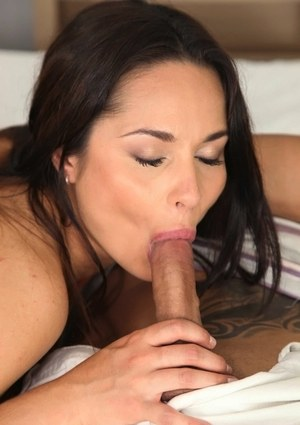 Dark haired amateur Aurelly Rebel shows her affinity for oral and anal sex