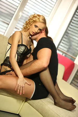 Top blonde Jenny Smart fantastic couch fuck with man in love with her