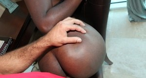 African girlfriend Reekaand her bf get into their hardcore fuck session