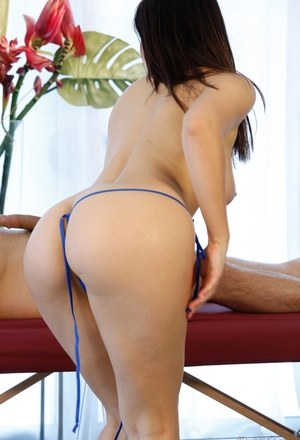Valentina Nappi gives massage and works huge cock into her pussy and mouth