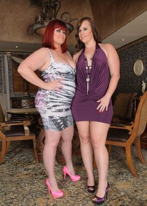 Fat lesbians Virgo Peridot & Marcy Diamond flaunt cellulite laden butts