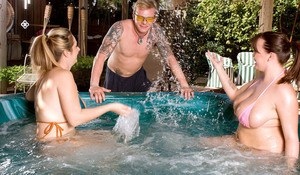 Plump moms Brandy Talore & April McKenzie are joined in hot tub for a 3some
