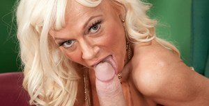 Blonde mature Farrah Rose loves the feeling of sperm down her nipples