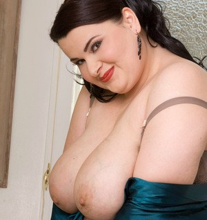 Fatty Madison Lee shows off her huge tits during soapy shower solo play