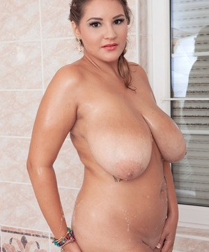 Daria starts handling her soapy vag in slutty scenes while alone in the shower
