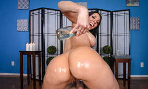 Crazy MILF Rachel Starr oils up herself and takes a ride on a cock like insane