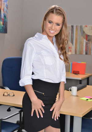 Office chick Jill Kassidy demonstrates her amazing figure in the erotic solo