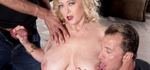 BBW cougar Tahnee Taylor gets mouth and pussy crushed up in a groupsex action