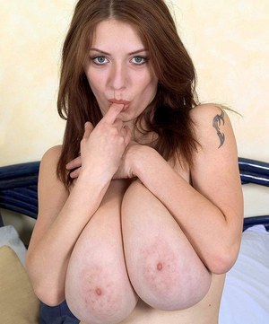 European cougar with massive fat tits Merilyn Sakova toys her insatiable cunt