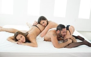 Two smoking hot bimbos Gia Paige and Karter Foxxx fuck with a lucky dude