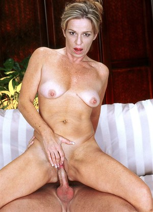 Cum-thirsty mom Adora gets her mouth and anal hole fucked by her young stud