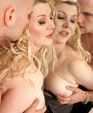 Chubby blonde mom Venice Knight bangs the neighbor's boy in her bathroom
